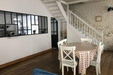 Townhouse in Le Château-d´Oléron - Maison de ville confortable 200m de la...